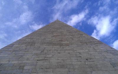 piramide-Cestia-iscrizioni-Roma