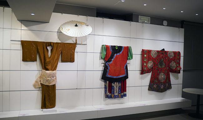 "Bonaveri ""La Moda nel mondo"" (ph. Courtesy Museo Arte Cinese Parma)"