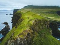 Isole Faroe, verdi scogliere rocciose (credit Sebastien Mas )