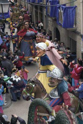 Gegants al Carnaval de Sitges_Oriol Llauradó_Agència Catalana de Turisme ok