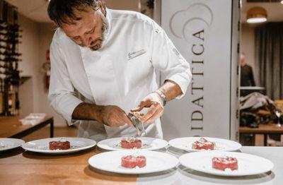 Taverna-del-Re-Chef-Ugo-Alciati-cruda-e-tartufo-credits-Eunice-Brovida