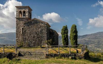chiesetta-nella-Lessinia