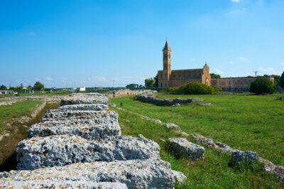 Parco-Archeologico-le-mura-messapiche-e-chiesa-di-S-Antonio