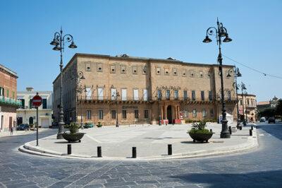 piazza-Garibaldi-Palazzo-Imperiali