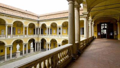 Scienze politiche Cortile-delle-statue-Università-di-Pavia