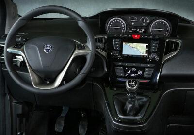 Lancia-Ypsilon-hybrid-EcoChic(28)