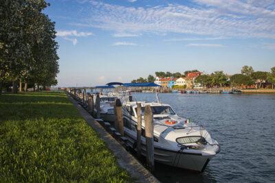 Le_Boat_Italia_Near_Venice