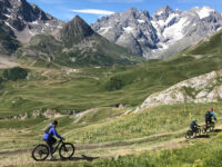 Scendendo in mountain bike dal Col du Galibier (Ph. D. Bragaglia © Mondointasca.it)