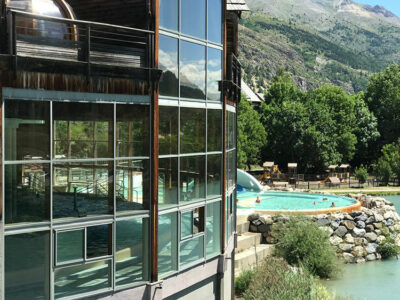 Serre-Chevalier-stabilimento-termale- la piscina dei Grands Bains a Monetiers Ph Dario Bragaglia