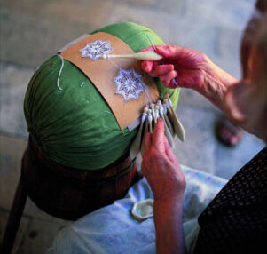 Botteghe artigiane Offida-merletto-al-tombolo