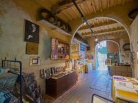 Torre del Lago Puccini, Villa Museo Puccini, il garage trasformato in shop