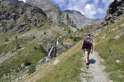 vacanza in montagna trekking