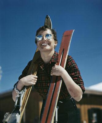 Lamericana Judith Stanton Zermatt Svizzera 1949-50 Credits Robert Capa International Center of Photography Magnum Photos