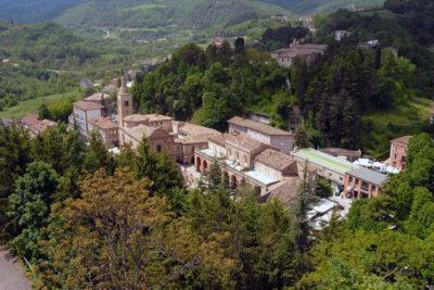 Panoramica di Amandola con veduta della Chiesa del Beato Antonio