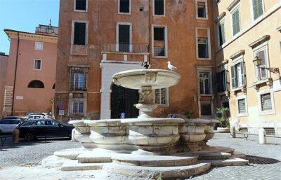 Roma-ghetto_piazza-delle-cinque-scole