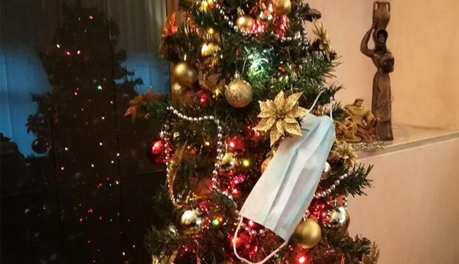 Natale al tempo del Covid-19 (ph. Pietro Ricciardi © Mondointasca.it)