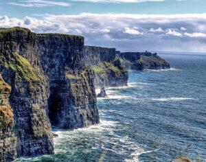 Viaggio itinerante in Irlanda. Nuove libertà con un'auto a noleggio