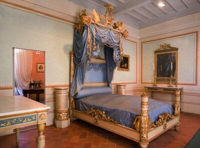 Camera-da-letto-dell'Imperatore-a-Villa-dei-Mulini,-Portoferraio-ph-©Roberto-Ridi