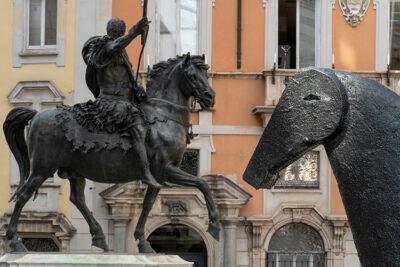 statue Particolare dell'installazione,-Piazza-Cavalli ©Lorenzo Palmieri 2020