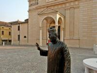 arte Statua-di-Don-Camillo-a-Brescello-(RE),-foto-di-Mario-Rebeschini,-credit-Visit-Emilia