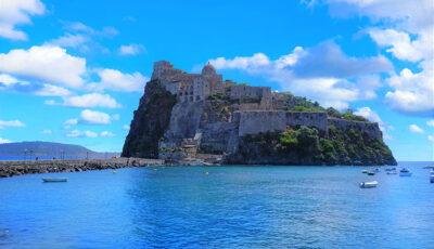 Castello-Aragonese-Ischia-ph.-Ermi-Jack-Pixabay