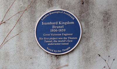 La-blue-plaque-commemorativa-di-Isambard-Kingdom-Brunel