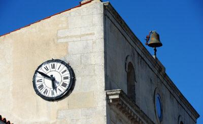 Gli-orologi-dell'Ile-d'Aix-sono-fermi-all'ora-della-morte-di-Napoleone-©-Dario-Bragaglia