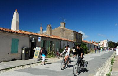 Sull'isola-di-Aix-si-gira-solo-in-bicicletta©-Dario-Bragaglia