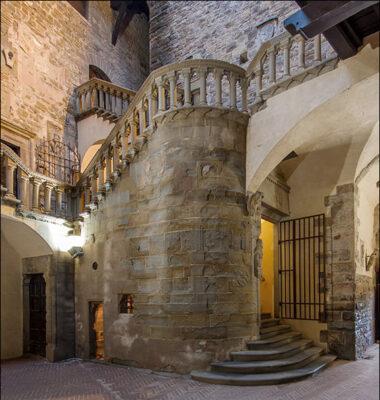 Casentino castello-poppi-architettura-fantasiosa