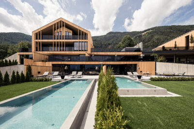 chalet-purmontes-by-day-florian-andergassen