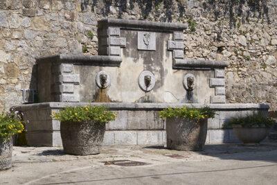 Fontana dei Tre Cannoli (1893)