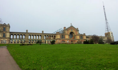 La-facciata-principale-dell'Alexandra-Palace