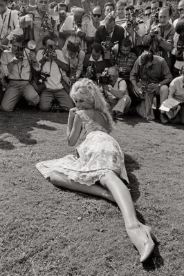 MARIO-DE-BIASI_Brigitte-Bardot,-Venezia,-1957