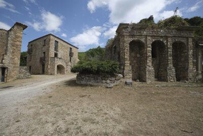 Roscigno Vecchia abitazioni della città fantasma