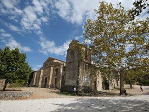 Chiesa di San Nicola nella città fantasma di Roscigno Vecchia (ph. © Emilio Dati)