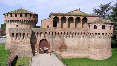Rocche sforzesche Fronte-della-Rocca-di-Dozza