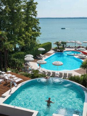 continental-le-piscine-si-affacciano-sul-lago