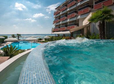 Hotel continental-piscine-dalle-acque-termali