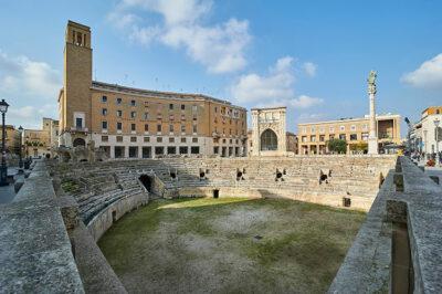 Lecce-Piazza-Sant'Oronzo-Anfiteatro-romano-e-Sedile