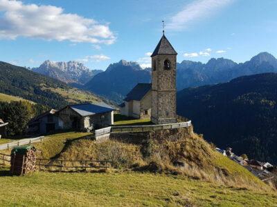 estate tizianesca Chiesa-di-San-Leonardo-Comelico