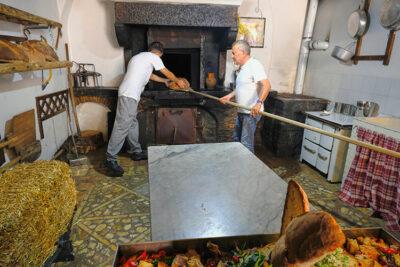 Orsara-di-Puglia-Forno-a-paglia-dell'Associazione-Pane-e-Salute