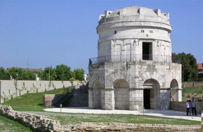 Rilanciare il turismo Ravenna-Mausoleo-di-Teodorico