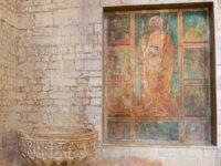 Vasca battesimale, interno Cattedrale (ph. © 2021 emilio dati)