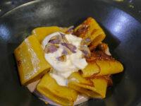Troia, piatti tipici, paccheri con salsiccia, cipolla dolce, stracciatella (ph. © 2021 emilio dati)
