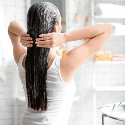 Curare-i-capelli-a-casa