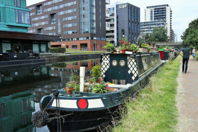 Regent's Canal Houseboat