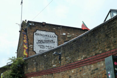 Regent's Canal L'insegna del Dingwalls a Camden