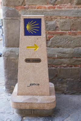 Pistoia Cippo del Cammino di Santiago di Compostela