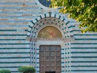 Pistoia Chiesa di San Francesco Portale d'ingresso (2021 © emilio dati - mondointasca)